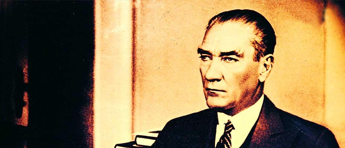 Atatürk'ün Hayatı ve Hatırlattıkları